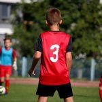 サッカーをする子ども達
