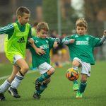 スポーツ少年団でサッカーをする子ども達